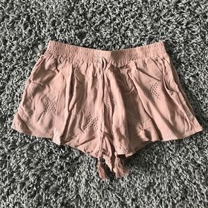 Flowery light pink designed shorts